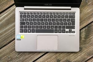 Die Tastatur des ASUS ZenBook UX3410U überzeugt mit gutem Druckpunkt und Hub