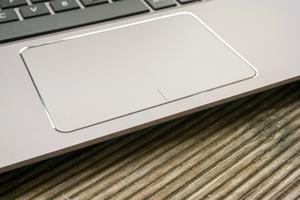 Das Tocupad des ZenBook UX3410U arbeitet präzise, hatte beim Testmuster aber etwas zu viel Spiel