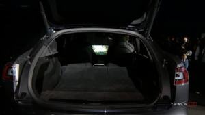 Tesla Model S mit AMD Navi 23