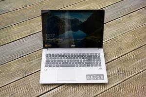 Das Swift 3 bietet Acer zunächst auch in zwei Konfigurationen mit AMD-APUs an, im NX.GV7EV.001 steckt ein Ryzen 5 2500U
