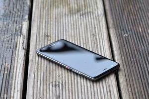 Optisch ähnelt das nova den aktuellen Huawei-Modellen