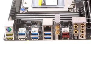 Das I/O-Panel beim Gigabyte X399 AORUS Gaming 7.
