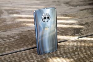 Dank gläserner Rückseite ist das Moto X4 das derzeit wohl schönste Motorola-Smartphone