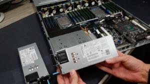 Zwei EPYC 7601 mit 32 Kernen bei 4 GHz