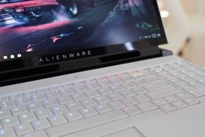 Alienware Area-51m R1