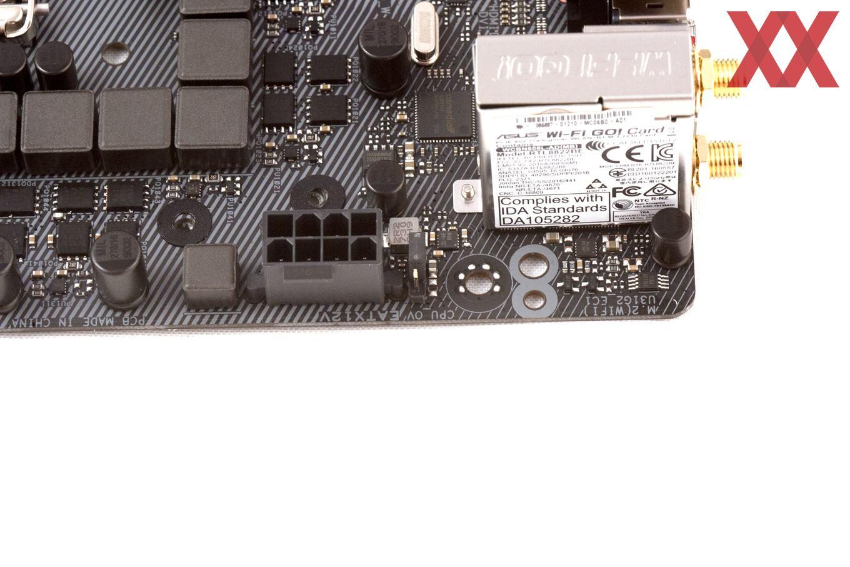 Mit dem Umsetzen des Jumpers lässt sich eine höhere CPU-Spannung auswählen.