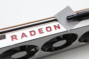 Radeon VII mit verschiedenen Wärmeleitpads
