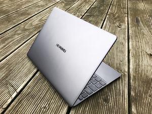 Dank Core i5-7200U, 8 GB RAM und 256 GB fassender SSD ist das Huawei MateBook X gut für den Office-Einsatz gerüstet