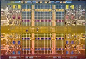 Intel Nehalem-EX Die-Shot