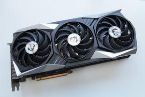 Effiziente-K-hlung-und-leichtes-Leistungsplus-MSI-Radeon-RX-6900-XT-Gaming-X-Trio-16G-im-Test