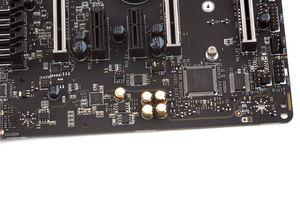 Neben dem Audiobereich wurde auch gleich der Super-I/O-Chip positioniert.