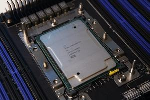 Intel Xeon W-3275