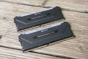Gleich 27 unterschiedliche Vengeance-RGB-Pro-Kits bietet Corsair zum Start an, im Test die Version DDR4-3600 mit schwarzem Heatspreader