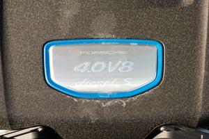 Der V8 des Porsche Panamera 4S Diesel leistet 310 kW und beschleunigt den Wagen auf bis zu 285 km/h
