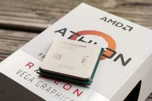Rund 50 Euro kostet AMDs Athlon 200GE, damit ist es der derzeit günstigste Prozessor auf Zen-Basis und ein direkter Pentium-Konkurrent