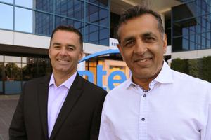 Dan McNamara (Intel, links) - Ronnie Vasishta (eASIC, rechts)