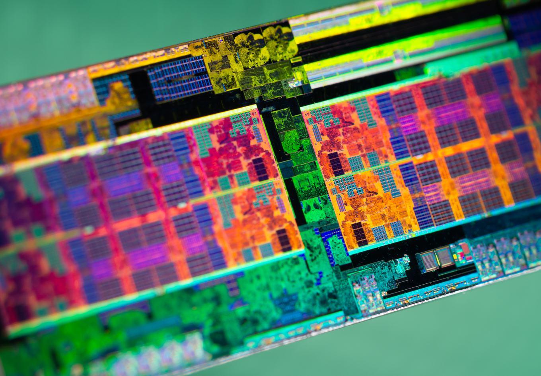 Die-Shots eines Pinnacle-Ridge-Zen+-Prozessors - Hardwareluxx