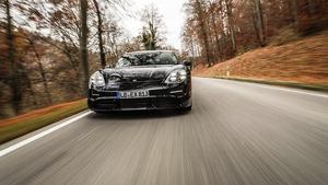 Porsche Taycan Technologieträger im Metallkleid des Panamera