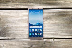 Das Huawei Mate 10 Pro verdient sich gute Noten für Kamera, Verarbeitung, Telefonie und Leistung