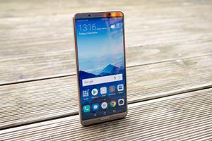 Das Huawei Mate 10 Pro zeigt, dass OLED-Panels nicht zwangsläufig sparsamer als IPS-Lösungen sein müssen