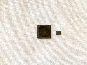 Qualcomm QCC1110 (rechts) und Snapdragon 801