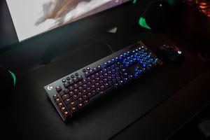 Logitech G915 LIGHTSPEED und G815 LIGHTSYNC RGB