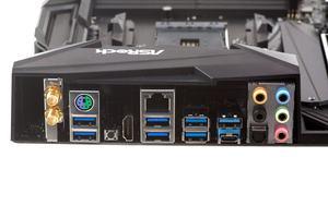 Das I/O-Panel beim ASRock X470 Taichi im Überblick.