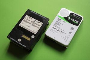 Seagate Exos X16 16TB SATA HDD ST16000NM001G and ST12400N Seagate Hawk 2 SCSI