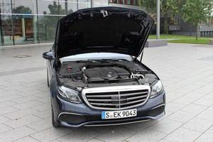 Nicht nur unter der Motorhaube bietet die neue E-Klasse modernste Technik