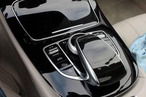 Über den Dynamic-Regler kann das Ansprechverhalten von Motor, Fahrwerk und Lenkung spürbar verändert werden