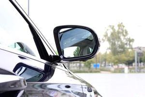 Selbst im Außenspiegel steckt viel Technik