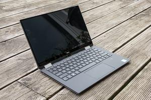 Auf den ersten Blick weicht das Dell XPS 13 2-in-1 kaum vom klassischen XPS 13 ab