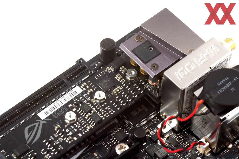 Der Audio-Bereich wurde auf einer kleinen Zusatzplatine untergebracht.