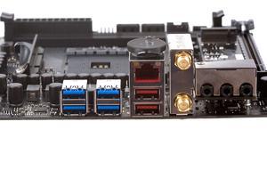 Das I/O-Panel beim ASUS ROG Strix X370-I Gaming im Überblick.