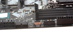 Hier nun verbaut: Der USB-3.1-Gen2-Header.