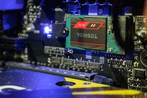 Mit der OCZ RC100 bietet Toshiba eine kompakte SSD mit sehr gutem Preis-Leistungsverhältnis an
