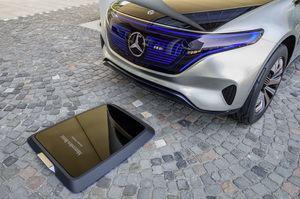 Geladen wird auf Wunsch induktiv (©: Mercedes Benz)