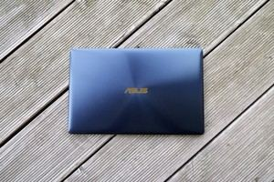 ASUS ZenBook 3: Dünn, leicht, blau