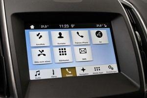 Gekoppelte Telefone können für Gespräche und SMS sowie CarPlay ider Android Auto genutzt werden