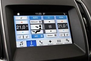 SYNC 3 erlaubt die Bedienung der Klimaautomatik, auch per Sprache