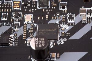 Für die USB-3.1-Gen2-Ansteuerung kommt der ASM3142 ins Spiel.
