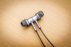 1MORE Dual-Drive-BT-ANC-In-Ear-Headphones