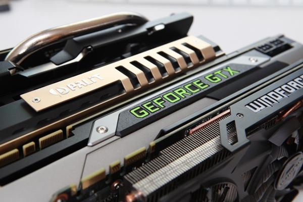 Две пары видеокарт GeForce GTX 980 и GTX 970