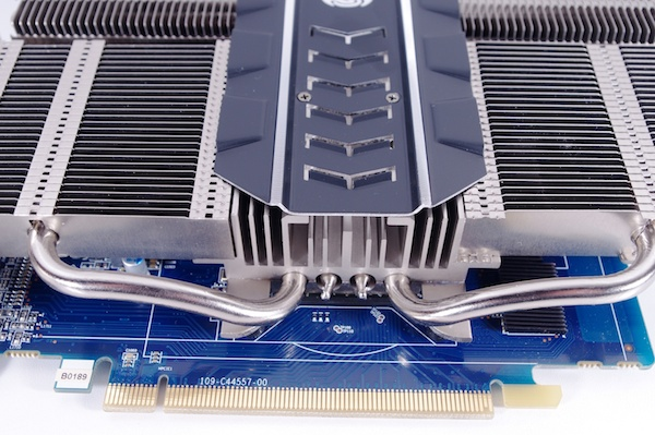sapphire r7 250 ultimate-02