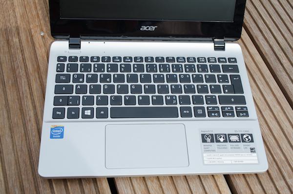 Полноразмерная клавиатура с хорошей тактильной отдачей