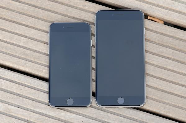 Такие похожие, но такие разные: два смартфона отличаются не только дисплеями
