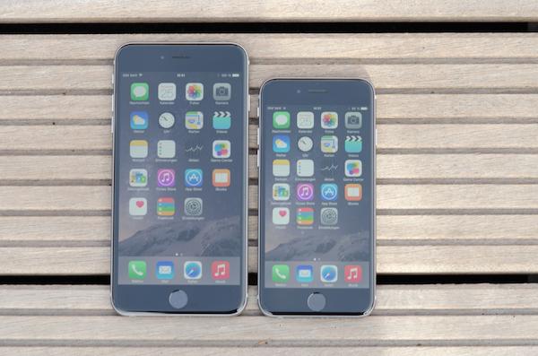 У обеих моделей используются хорошие дисплей, но отличия тоже присутствуют
