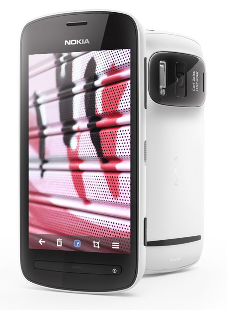 Nokia-808-PureView-White back-and-front