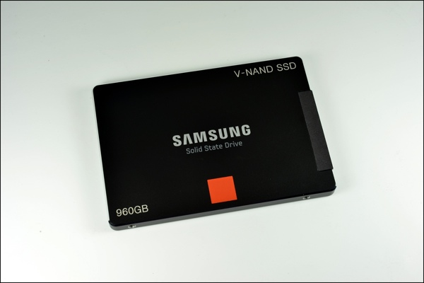 Samsung Enterprise-SSD mit 3D-V-NAND-Flash