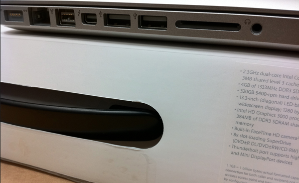 macbook-pro-thunderbolt-port-leak